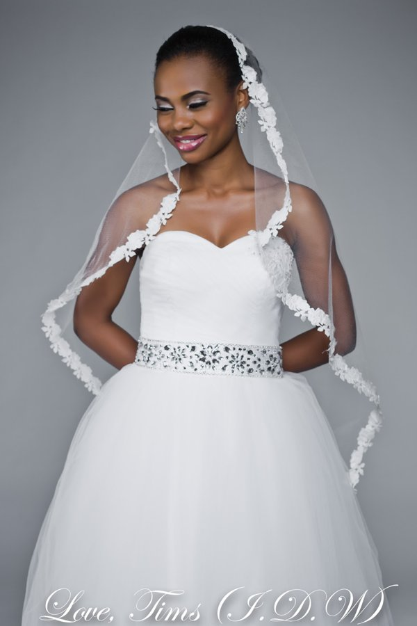 wedding-dress-in-nigeria-ball-gown-veil