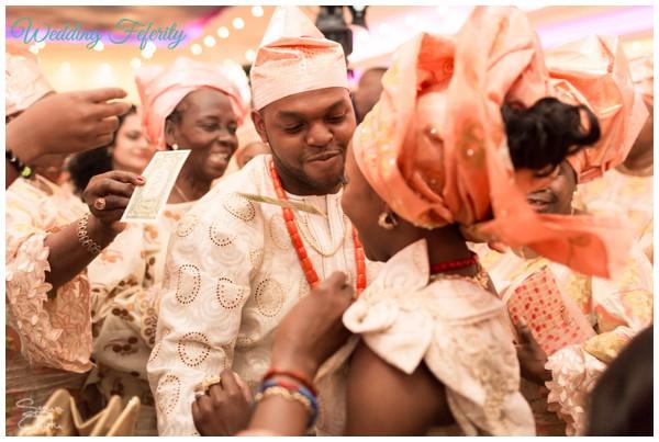 nigerian-wedding-traditional-attire-abi-tobi-600x403