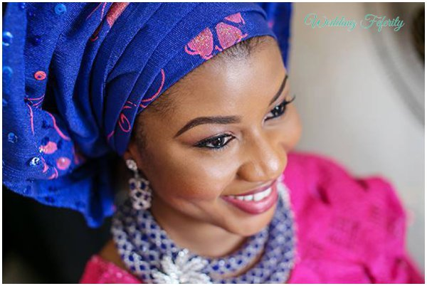yoruba-bride-navy-blue-fucshia-pink-lace-aso-oke-wedding-feferity