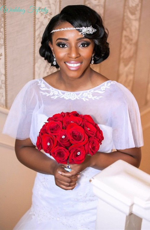 bride-with-red-bouquet