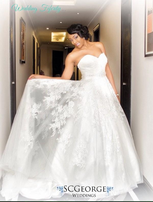 sleeveless-wedding-dress